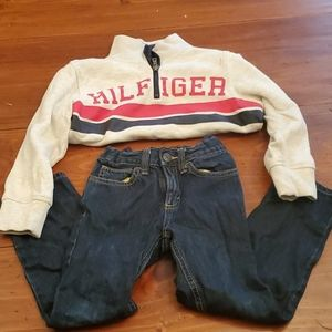 Boys size 5 outfit Jean's and pullover